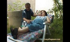 lady  massage  naked  pregnant milf
